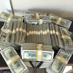 25 Inpressive Small Wedding Cupcakes with Big Styles - Finance Pin Rich Money, My Money, Way To Make Money, Make Money Online, How To Make, Gold Money, Bitcoin Value, Bitcoin Price, Powerful Money Spells