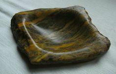 Specksteinschale ( grün-brauner indischer Speckstein )  Schale poliert, Seiten Rohstein