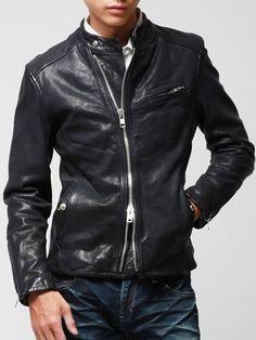 Black by VANQUISH(ブラック バイ ヴァンキッシュ)のベジタブルゴートレザーシングルライダースジャケット[BVJ001]。渋谷109の人気ブランド/ショップの最新メンズファッションや新作、人気、おすすめアイテムをお届け。お得なイベント情報も