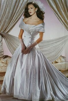 Double Breasted Dresses - Wedding Trends You Forgot About - Photos Double Breasted Dresses Channeling Princess Diana's classic double breasted suits, this dress has heavy 1994 vibes. Long Gown For Wedding, Gorgeous Wedding Dress, Beautiful Gowns, Wedding Gowns, Retro Wedding Dresses, Bridal Dresses, Vintage Gowns, Vintage Bridal, Royal Brides