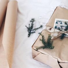 🎶brown paper packages tied up with string. Beautiful Christmas, White Christmas, Christmas Time, Xmas, Creative Gift Wrapping, Creative Gifts, Party Checklist, Grinch Stole Christmas, Christmas Wrapping
