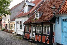 Ærøskøbing.  Love this little house!  (by jim_skreech, on Flickr)