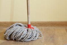 Daddy Cool!: Αρωμάτισε το σπίτι σου σφουγγαρίζοντας χωρίς απορυπαντικό!