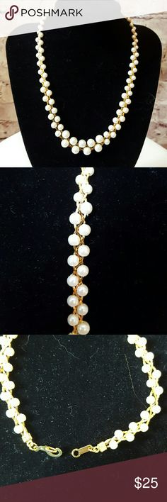 """Gold & pearl necklace Graduated pearls intertwined with gold strand. Length 17.5"""". Great piece of costume jewelry Costume Jewelry Necklaces"""