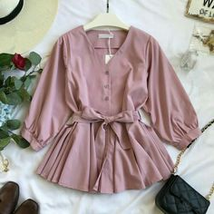 Girls Fashion Clothes, Girl Fashion, Fashion Outfits, Stylish Dresses For Girls, Casual Dresses, Classy Work Outfits, Vestido Casual, Designs For Dresses, Spring Shirts
