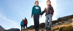 Familienurlaub in den Alpen Rain Jacket, Windbreaker, Projects, Jackets, Summer Vacations, Family Vacations, Alps, Hiking, Log Projects