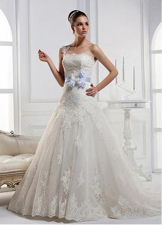 GLAMOROUS ORGANZA SATIN BALL GOWN ONE SHOULDER CAP SLEEVE LACE APPLIQUES WEDDING DRESS