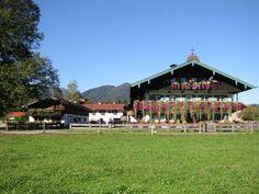 Familienbauernhof Berghammer - Ropfer Hof  in Rottach-Egern  Urlaubserlebnisse auf dem Naturland -Biohof  Alles Bio mit dem #blauengockel