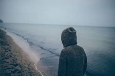 Through yoga and meditation, we can confront our feelings of loneliness, open our hearts and reach a more meaningful, abundant life. @JoannaNicholson shares how to overcome loneliness. #yoga #selflove #love #acceptance #yogi #yogini #relationship #courage