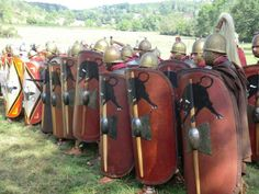 Roman Republican Army - might be trying to impersonate the 10th Legion - Equestris. Caesar's Favorites.