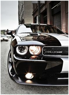 "Check out our web site for even more details on ""Dodge Challenger"". It is actually an exceptional place to read more. Luxury Sports Cars, Cool Sports Cars, Sport Cars, Cool Cars, Wallpaper Carros, Dodge Challenger Srt, Doge Challenger, Dodge Srt8, Audi"