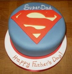 Super Dad - Fathers Day Fathers Day Inspiration and ideas! we love and had to share! Fathers Day Cupcakes, Fathers Day Cake, Mini Tortillas, Fondant Cakes, Cupcake Cakes, Fun Cakes, Cake Pops, Bolo Original, Dad Cake
