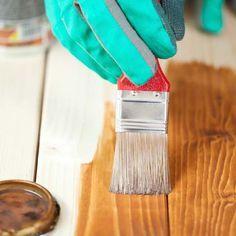 Aprende a barnizar tus muebles de madera o pintados sin que se noten los brochazos. Resultados garantizados. ¡y técnicas fáciles!