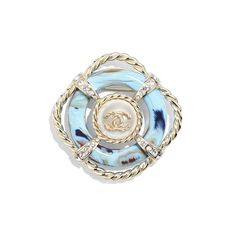 The costume jewelry of the latest Fashion collections on the CHANEL official website Chanel Pearls, Chanel Jewelry, Jewelry Box, Jewelry Accessories, Fashion Accessories, Jewellery, Metal Bracelets, Cuff Bracelets, Chanel Brooch