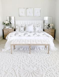 Neutral bedroom with tufted heardboard bench whit Neutral bedroom decor ideas. Neutral bedroom with tufted heardboard bench whit Neutral Bedroom Decor, Bedroom Setup, Neutral Bedrooms, Shabby Chic Bedrooms, Master Bedroom Design, Home Decor Bedroom, Linen Bedroom, Trendy Bedroom, Bedroom Designs
