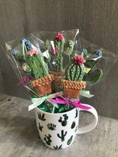 Trendy Ideas For Birthday Cake Flower Sugar Cookies Iced Cookies, Cute Cookies, Royal Icing Cookies, Cupcake Cookies, Cookie Favors, Baby Cookies, Heart Cookies, Cookie Pops, Kaktus Cupcakes