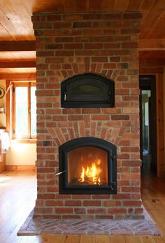 Reface Fireplace, Fireplace Heater, Brick Fireplace, Wood Stove Heater, Stove Oven, Indoor Pizza Oven, Exposed Brick Kitchen, Rideaux Design, Recycled Brick