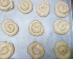 Cookpad - Κάνε την καθημερινή μαγειρική διασκέδαση! Convenience Store, Bread, Cookies, Desserts, Food, Convinience Store, Tailgate Desserts, Biscuits, Deserts