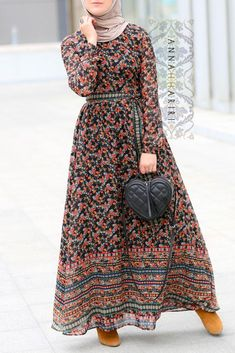 Annah Hariri, Online, Modest clothing atelier of high end quality Abaya Fashion, Muslim Fashion, Modest Fashion, Fashion Dresses, Comfy Dresses, Plus Size Maxi Dresses, Nice Dresses, Simple Gown Design, Modele Hijab