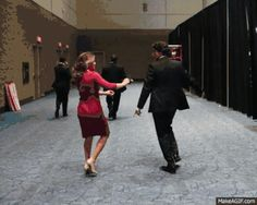 Canada's new prime minister Justin Trudeau and his wife Sophie dance during elections. - www.viralpx.com