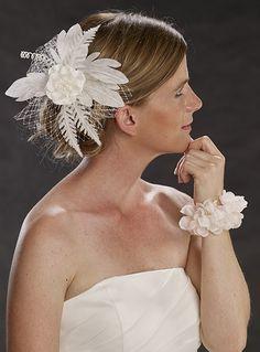 Brautfrisuren katalog