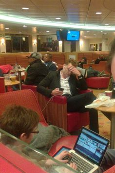 Tom looking very sleepy... <--- He should've laid down like the guy behind him with his butt hanging out lol