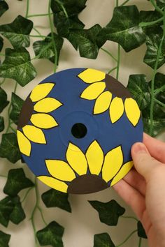 Cd Wall Art, Cd Art, Things To Do When Bored, Mini Canvas Art, Photo Wall Collage, Cool Paintings, Yellow Flowers, Flower Art, Art Drawings
