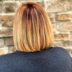 Have you ever wanted to try a new hair color? Ever want to try something that would give you a new sense of confidence and brighten up your life? A gr. Strawberry Blonde Highlights, Dark Highlights, Blonde Sombre, Blonde Color, Short Hair Cuts For Women, Short Hair Styles, Bleached Hair, New Hair Colors, Style Ideas
