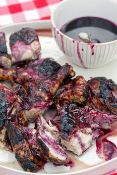 Vivian Howard's signature blueberry BBQ sauce goes great with charcoal-grilled chicken. Bbq Chicken, Grilled Chicken, Chicken Chili, Carolina Style Bbq Sauce, Chef Vivian Howard, Food Network Recipes, Cooking Recipes, Good Food, Yummy Food