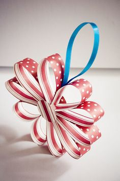 Paper christmas decoration. Looks easy enough to make.