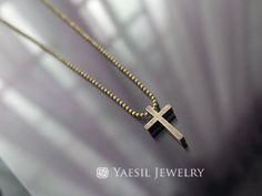 Vintage Cross Necklace, Antiqued Brass Cross Necklace, Cross Jewelry Set, Vintage Earrings, Dainty Religious Jewelry by YaesilJewelry on Etsy