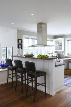 New England a la Willa Nordic Kitchen Nook, Home Decor Kitchen, Kitchen Design, Scandinavian Modern Kitchens, New England Decor, Nordic Interior Design, Beautiful Kitchens, Home Furnishings, Kitchen Remodel