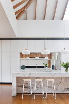 Coco Flip · Coco Pendant Matt Gibson Architecture + Design - Courtyard House I like how only certain elements if the roof remained 'raw' Kitchen Furniture, Kitchen Interior, Kitchen Decor, Design Kitchen, Beautiful Kitchens, Cool Kitchens, Small Kitchen Bar, Kitchen Grey, Kitchen Tips