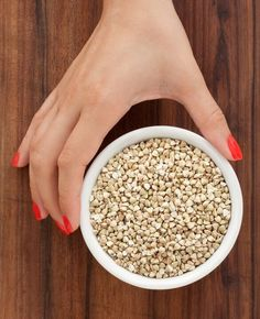 Dieta cu hrisca este un regim alimentar strict, nu te gandi ca slabesti 12 kilograme fara sa renunti la dulciuri, insa merita incercata. E greu de tinut, pentru ca vreme de cateva saptamani o sa Quinoa, Acai Bowl, Cereal, The Cure, Grains, Breakfast, Health, Food, Happy
