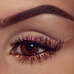 42 Glitter Eye Shadow Ideas - The shiny makeup is all the rage. The eye makeup . - 42 Glitter Eye Shadow Ideas – The shiny makeup is all the rage. The eye makeup with twinklinginy - Makeup Eye Looks, Makeup For Brown Eyes, Cute Makeup, Smokey Eye Makeup, Gorgeous Makeup, Eyeshadow Makeup, Eyeshadow Palette, Dewy Makeup, Eyeshadow Ideas
