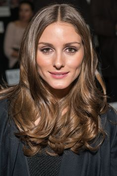 Olivia Palermo: Olivia Palermo showed off her glossy waves at the Diane von Furstenberg Fall 2013 show. She kept her makeup classic with a touch of bronzer and brown eye makeup. Light Brown Hair, Dark Hair, Olivia Palermo Hair, Biolage Hair, Brown Hair Colors, Brunette Hair, Balayage Hair, Haircolor, Gorgeous Hair