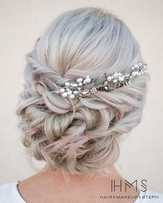Wedding Hairstyles Medium Hair Twisted curly bridal up hairstyle with silver and pearl hair pin ~~ 45 Glamorous Wedding updos for long and medium hair Long Hair Wedding Updos, Boho Wedding Hair, Wedding Hair And Makeup, Hair Makeup, Hairstyle Wedding, Wedding Bride, Country Wedding Hairstyles, Prom Hair Updo Elegant, Boho Bride