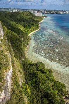 two-lovers-point-cliff-ocean-V