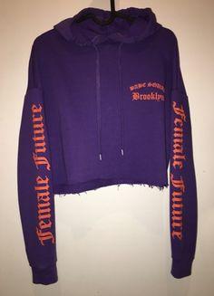Kup mój przedmiot na #vintedpl http://www.vinted.pl/damska-odziez/swetry-i-bluzy-z-kapturem/20907473-hm-bluza-fioletowa-z-pomaranczowymi-napisami