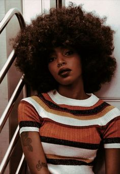 Short Kinky Curly Wig Real Human Hair Afro Curly Wigs Black Color Natural Looking For Women Short Afro, Big Afro, Afro Punk, Black Is Beautiful, Natural Hair Care, Natural Hair Styles, Natural Lips, Natural Curls, Style Afro