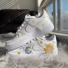 Dr Shoes, Cute Nike Shoes, Swag Shoes, Cute Nikes, Hype Shoes, Custom Painted Shoes, Custom Shoes, Painted Sneakers, Nike Shoes Air Force