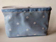 Schminktäschchen - Hellblaue Kosmetiktasche mit pünktchen Spitze - ein Designerstück von Norsthings bei DaWanda