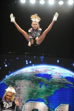 allstar-cheer-world:  Great toe touch basket form GA Allstars!