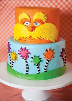 Vibrant & Fun Dr. Seuss Inspired Lorax Birthday Party // Hostess ...