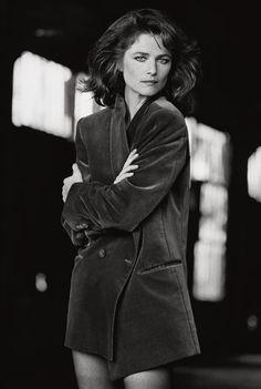 Charlotte Rampling photographiée par Peter Lindbergh en 1982 © Peter Lindbergh http://www.vogue.fr/mode/news-mode/diaporama/le-livre-100-photos-pour-la-libertes-de-la-presse-de-peter-lindbergh/20147/image/1045365#!peter-linderbergh-100-photos-pour-la-liberte-de-la-presse-reporters-sans-frontieres-charlotte-rampling