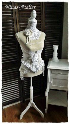 Schneiderpuppe mit Corset Jabot  Shabby Vintage von Ninas-Atelier auf DaWanda.com