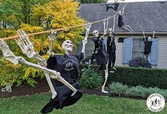 The Skeletons of Vivian Line made their great escape from the closet last night. Why couldn't these funny skeletons just use the front door? Halloween Lawn, Halloween Yard Decorations, Halloween Skeletons, Outdoor Halloween, Holidays Halloween, Halloween Meme, Dark Red Wallpaper, Funny Skeleton, Spooky Scary
