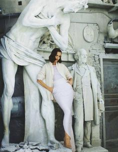 """Fashion ...""""Impara l'arte"""": Olya Zueva and Statues by Michael Woolley for Io Donna"""