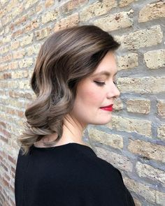 Shoulder length hairstyle is suitable for all seasons and occasions. If you don't like too long or too short hairstyles, choose shoulder length hairstyles. You should choose shoulder length hairstyle, Not only is it easy to manage, but they also give Popular Hairstyles, Latest Hairstyles, Hairstyles Haircuts, Straight Hairstyles, Bob Haircuts, Medium Hair Styles, Curly Hair Styles, Afro, Balayage Hair Blonde