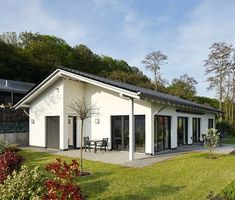 Bauhaus, Shed, Outdoor Structures, Doors, Interior, Places, Outdoor Decor, House, Bungalows